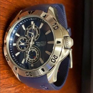 Nautical men's watch like new barely used.